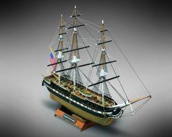 Modello kit barca U.S.S COSTITUTION serie MINI MAMOLI in scala 1:330