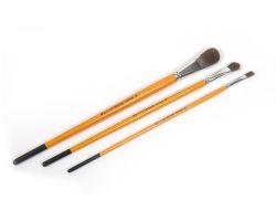 Set di 3 pennelli di diverse dimensioni.